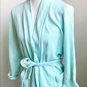 Gillian & O'Malley  mint green waffle robe